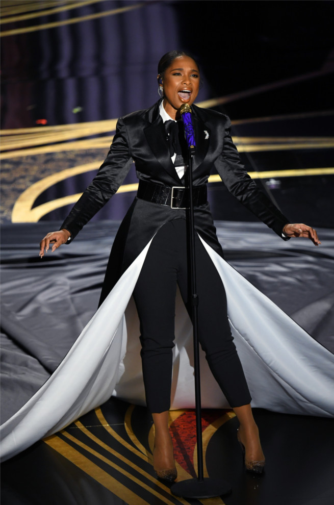 "Jennifer Hudson – Performing ""I'll Fight"", Nominated for Best Original Song Degrastrass"