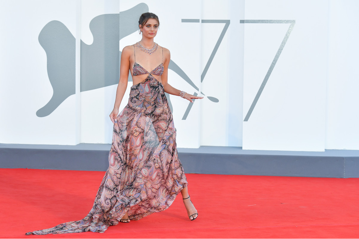 Taylor Hill in sandals for Altein show - 77th Venice Film Festival